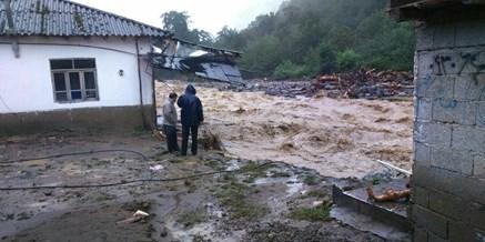 وضعیت بحرانی شهر تالش/ راه های ارتباطی و خطوط برق، آب و گاز قطع شده است