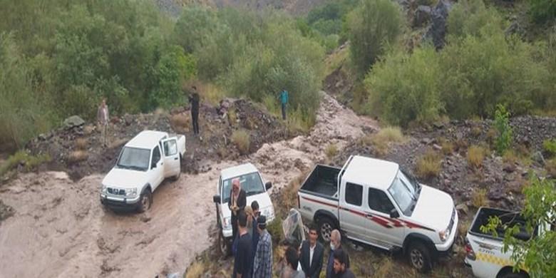 جزئیات خسارت سیلاب در بادرود و نائین/ نجات 22 نفر از سیلاب